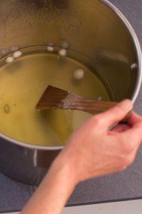 photo de la fabrication des savons petit grain